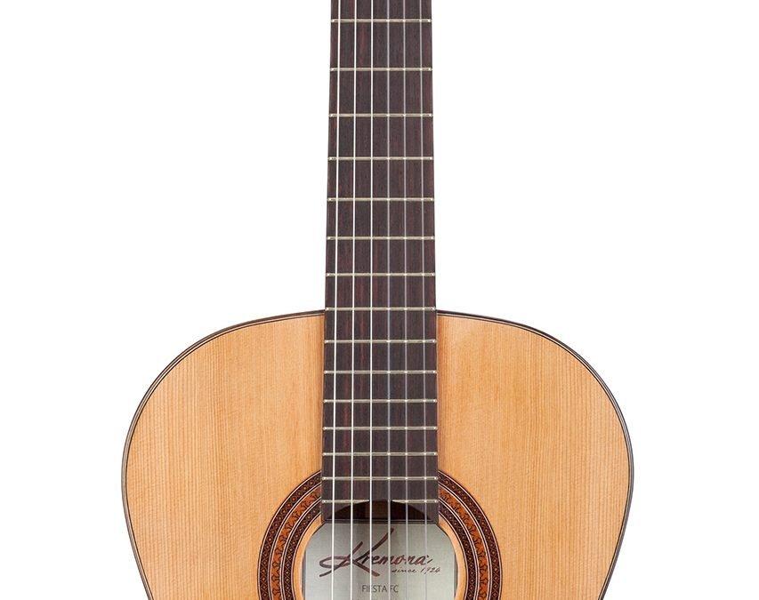 Kremona Fiesta FC – Classical Guitar – Solid Cedar top, Solid Indian Rosewood back/sides – Includes Kremona hardshell case